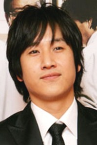 Lee Sun Gyun as Choi Han Sung (Coffee Prince)